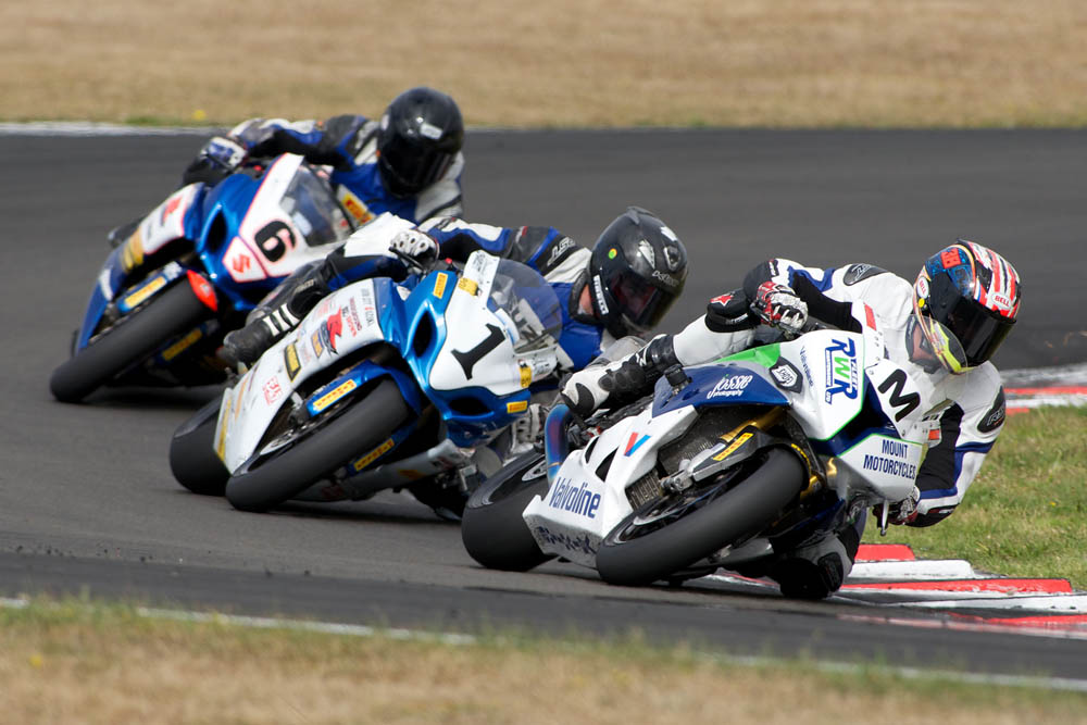 2014 New Zealand Superbike Championship round four
