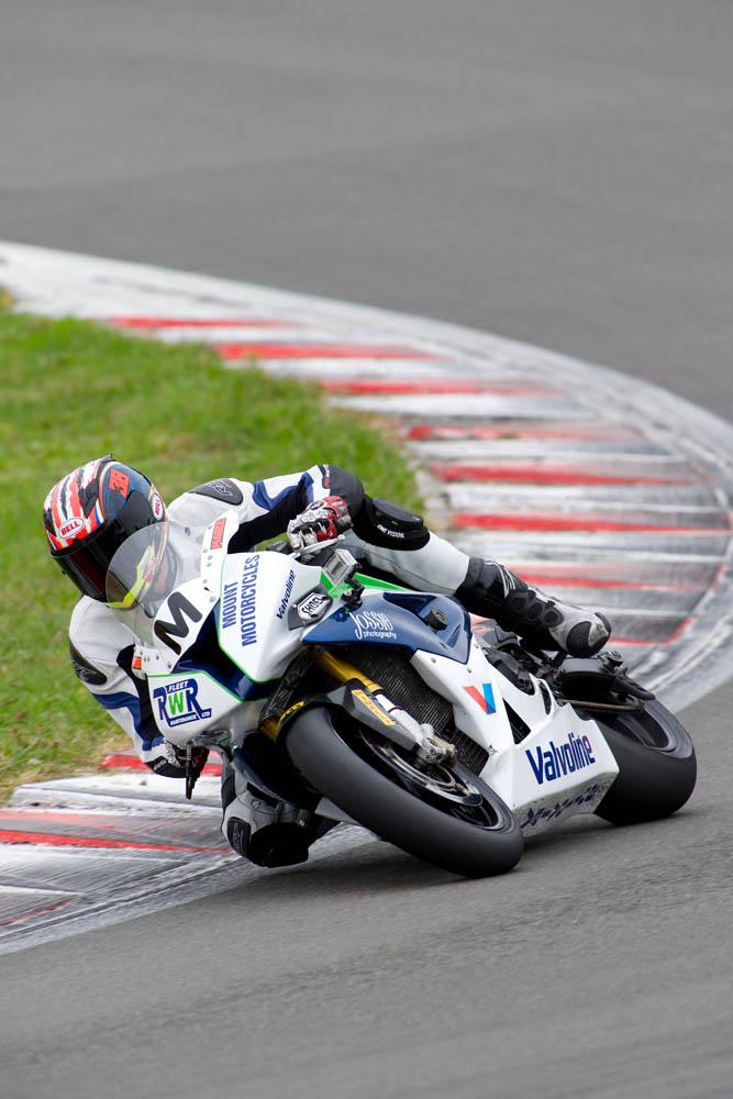 2014 New Zealand Superbike Championship round four